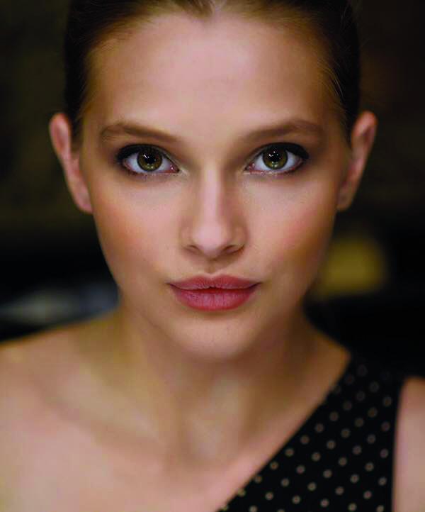19_Miss_Teenage_Canada_portrait